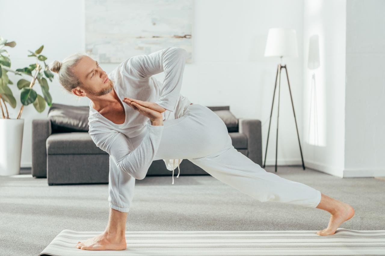 Йога дома онлайн-тренировки