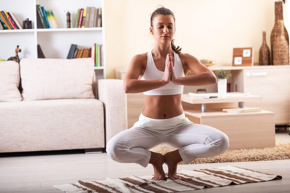 Йога для начинающих в домашних условиях вечер