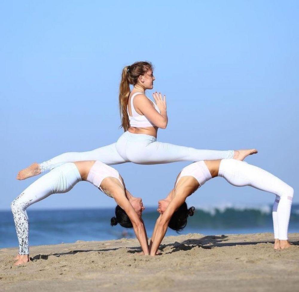 Утренняя йога для начинающих комплекс упражнений видео