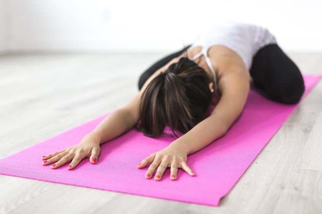 Йога для начинающих утренний комплекс