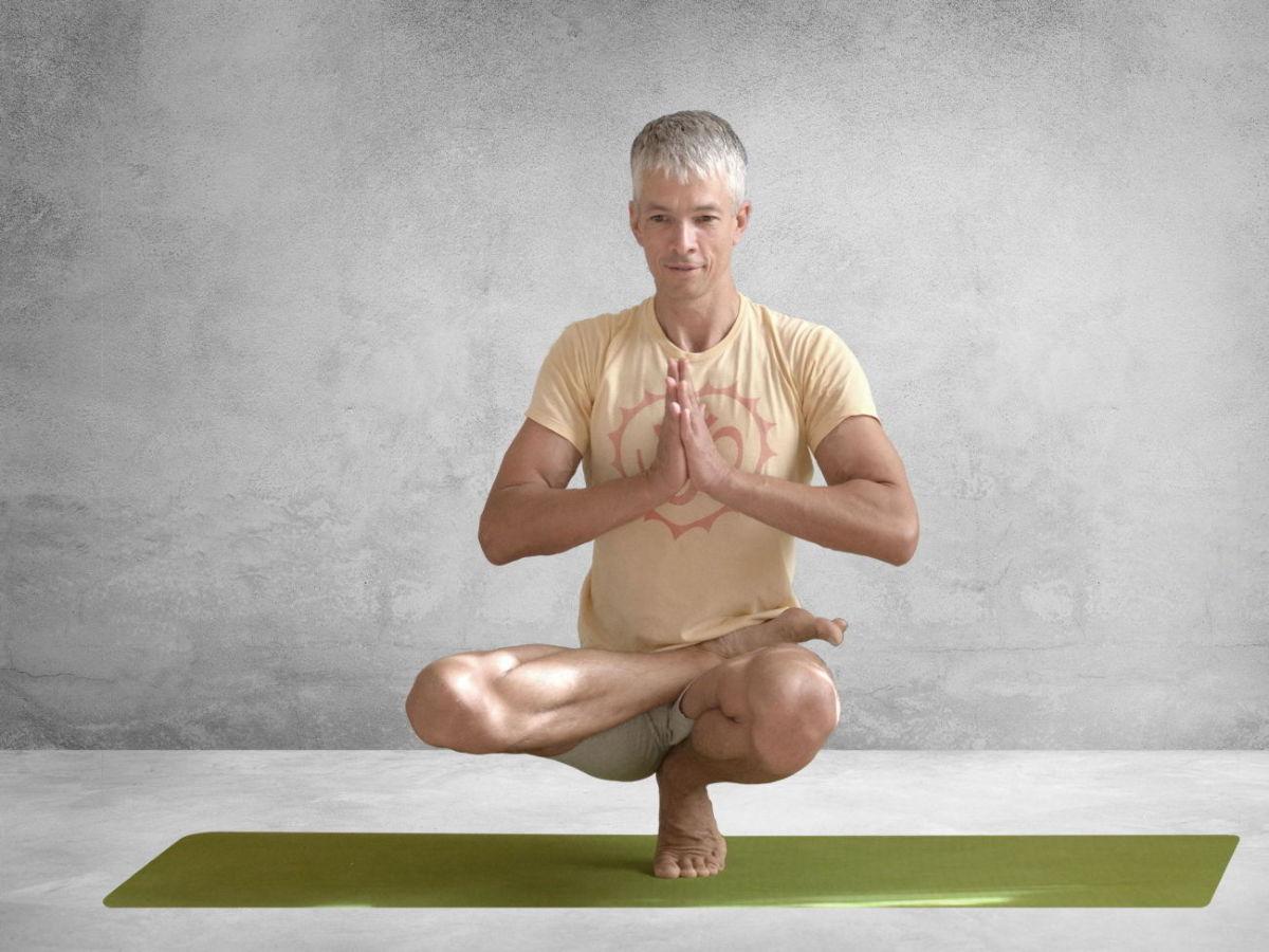 Хатха йога для начинающих в домашних условиях