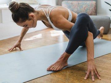 Йога упражнения для энергии