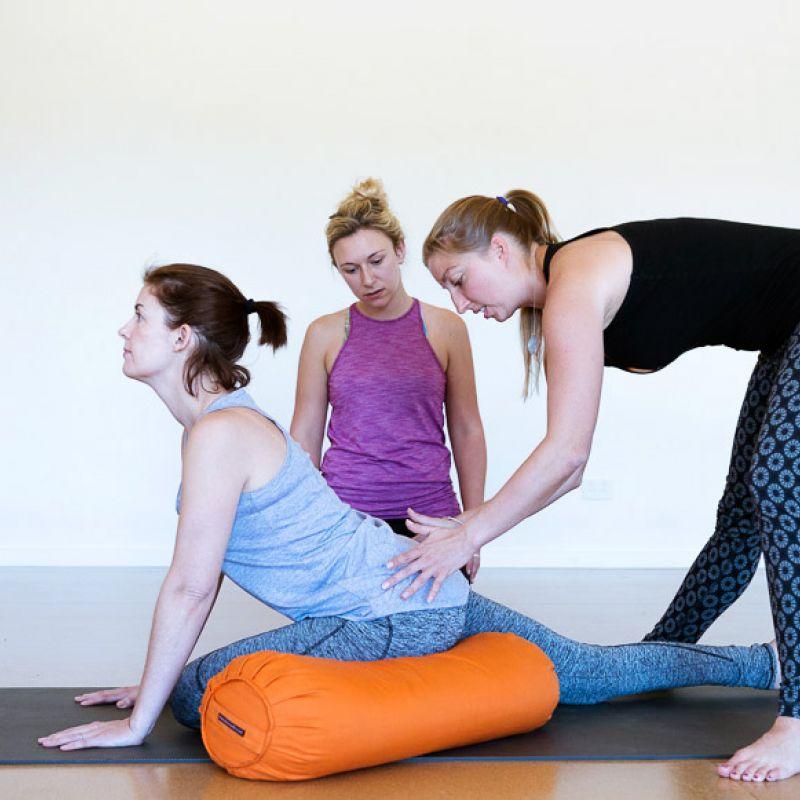 Йога обучение видео