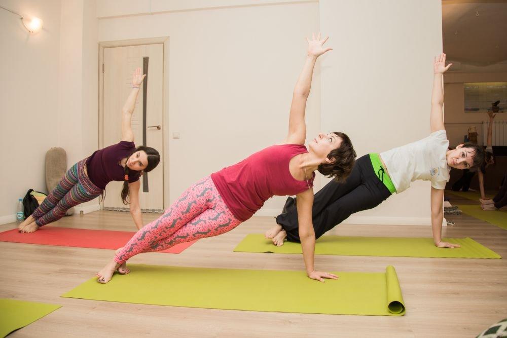 Йога для стройной талии