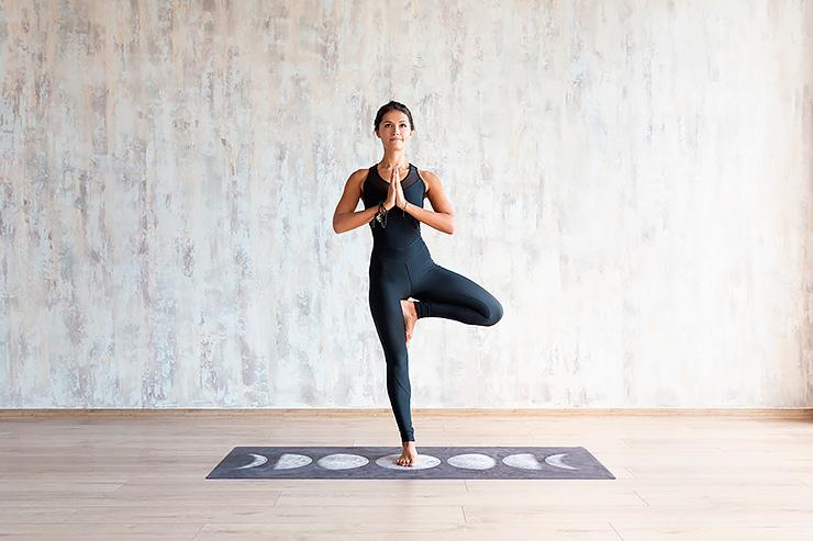 Онлайн практика по йоге