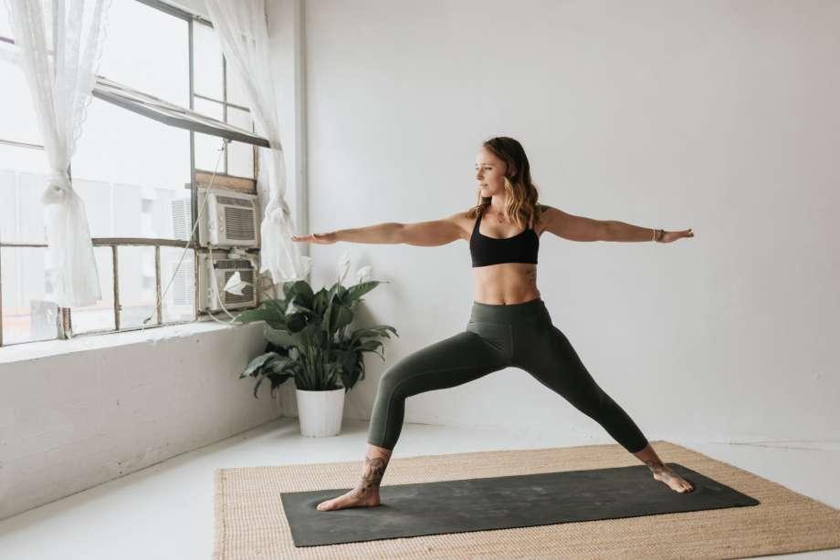 Йога онлайн после родов
