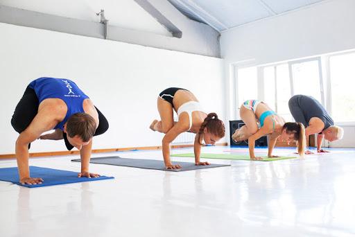 Йога с тренером онлайн