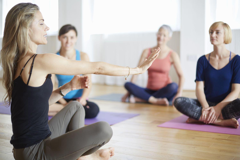 Йога для зняття стресу