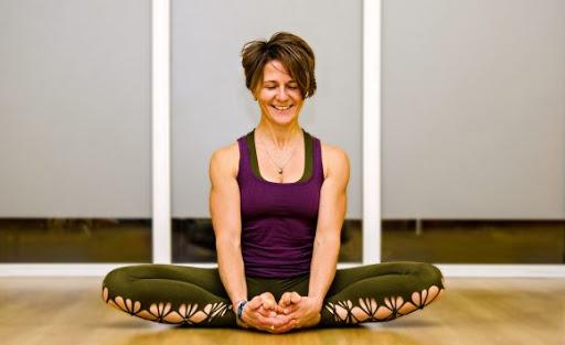 Профессиональные уроки по йоге